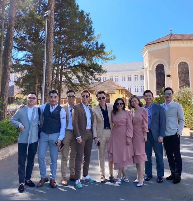 Dàn khách mời của Tóc Tiên vàHoàng Touliver.