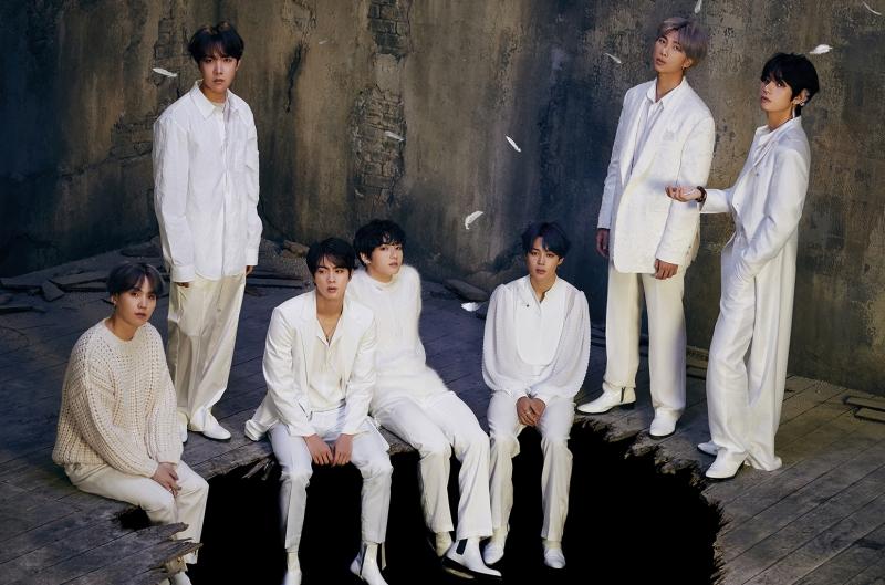 'Ác mộng' của các nghệ sĩ khi comeback chính là BTS: Cả album lẫn digital đều không ai địch nổi! 2