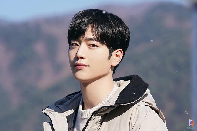 Trước thềm lên sóng 'Trời đẹp em sẽ đến', ngắm loạt ảnh hậu trường đẹp như tạp chí của Seo Kang Joon 8