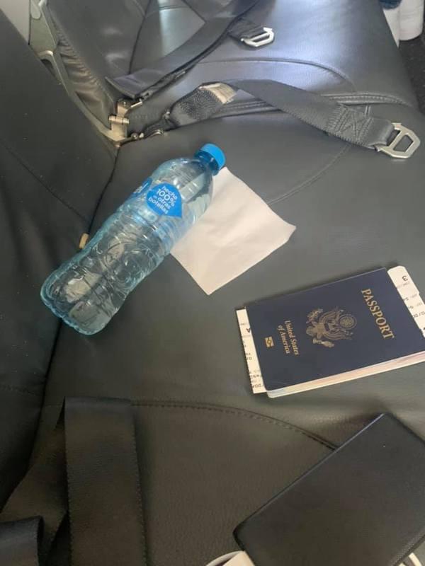 Giữa đại dịch Covid-19, cô gái gốc Á bị hãng hàng không phân biệt đối xử, khóc 'tức tưởi' suốt 4 tiếng trên chuyến bay 2