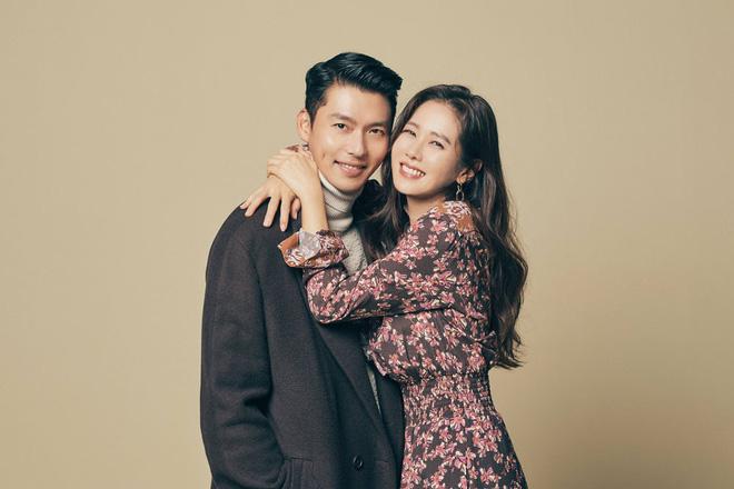 Hyun Bin và Son Ye Jin lại  'dắt tay' nhau lên top Naver vì nghi vấn chị đẹp có bầu 0