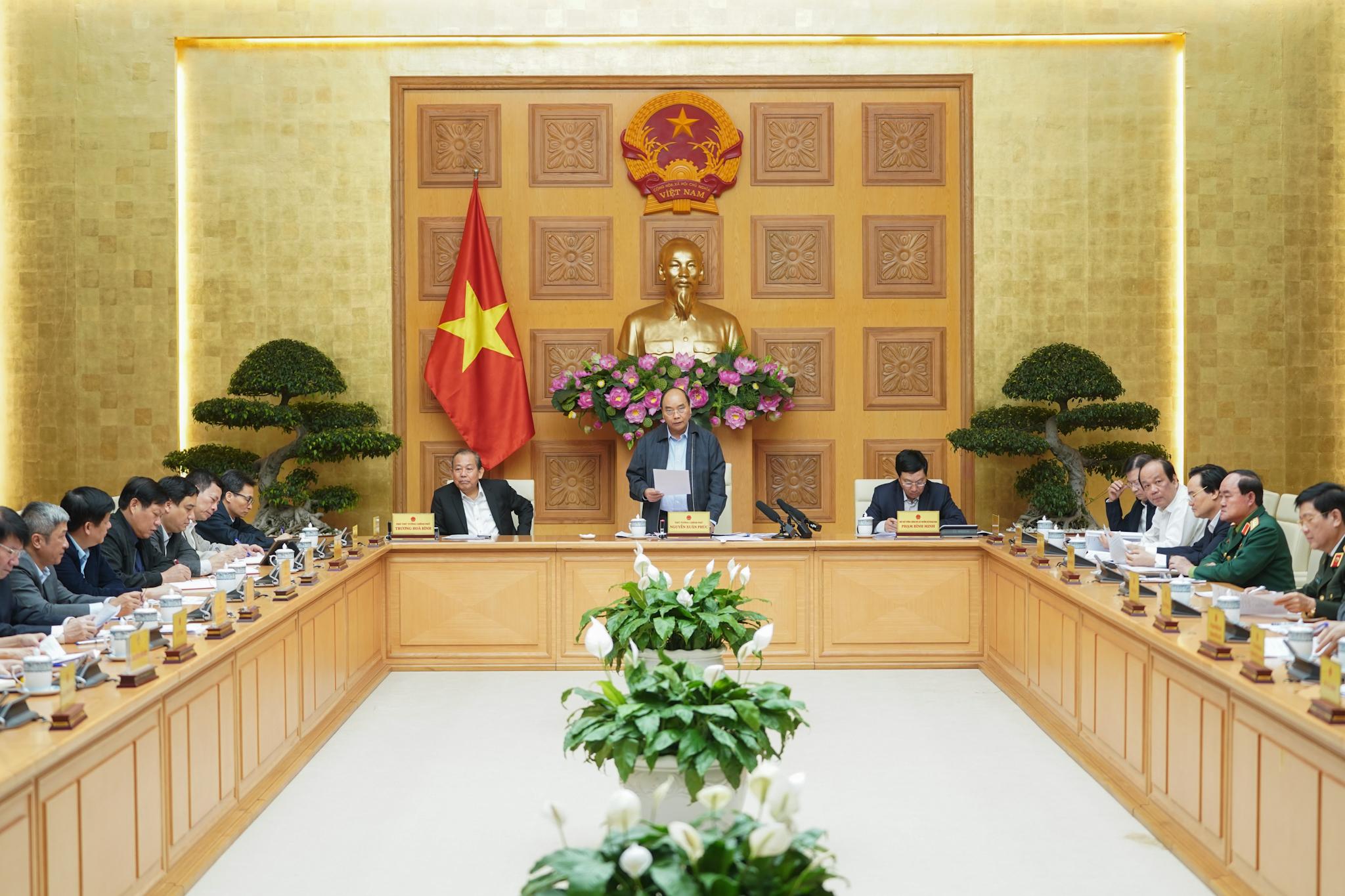 Thủ tướng Nguyễn Xuân Phúc chủ trì cuộc họp. (Ảnh: VGP/Quang Hiếu)