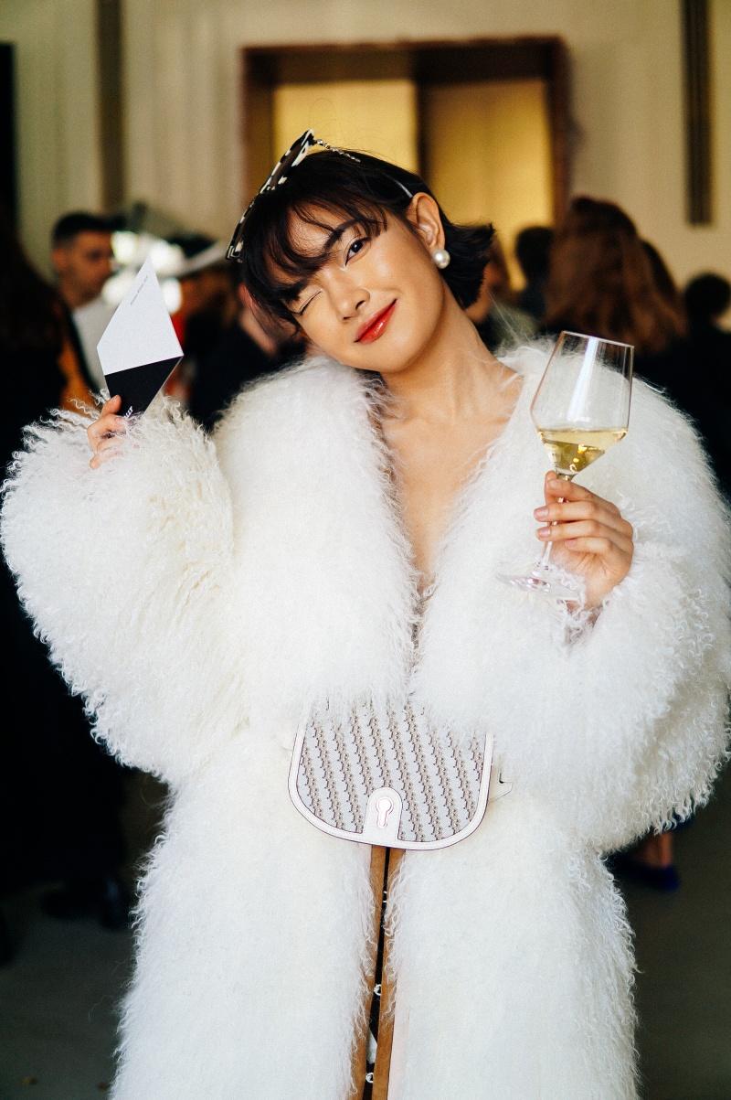 Cùng chờ đón xem những hình ảnh tiếp theo của Châu Bùi tại Paris Fashion Week nhé!