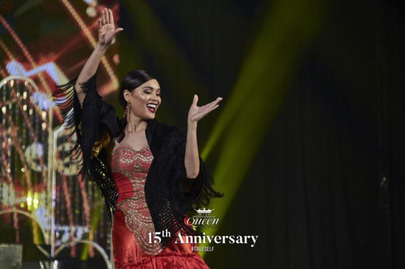 Lọt top 13 trong phần thi tài năng, Hoài Sa gây chú ý với nhan sắc đỉnh cao trong chiếc váy xẻ tà gợi cảm tại Miss International Queen 2020 7