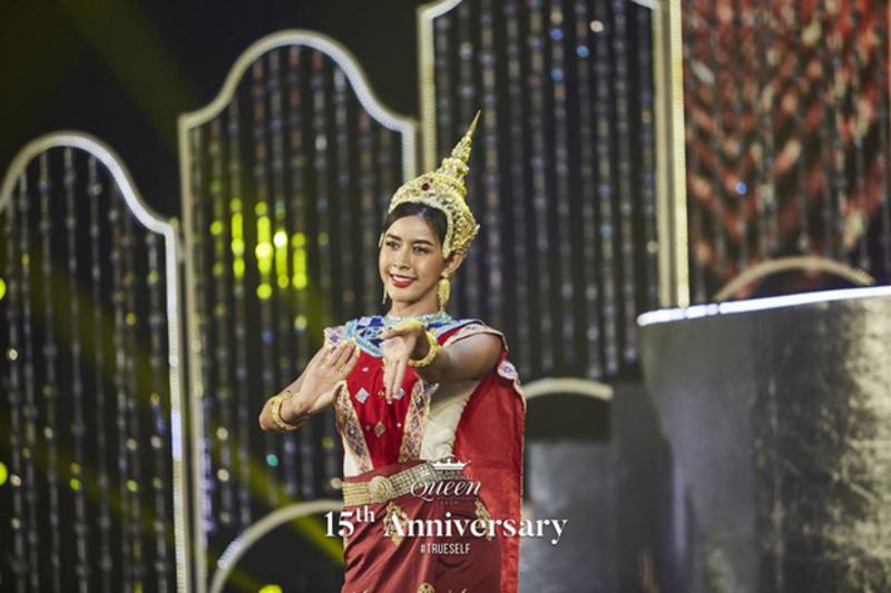 Lọt top 13 trong phần thi tài năng, Hoài Sa gây chú ý với nhan sắc đỉnh cao trong chiếc váy xẻ tà gợi cảm tại Miss International Queen 2020 8