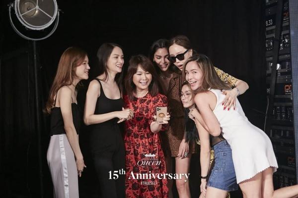 Đọ sắc cùng dàn người đẹp Miss International Queen, Hương Giang bị makeup 'dìm', lộ rõ mặt hốc hác 1