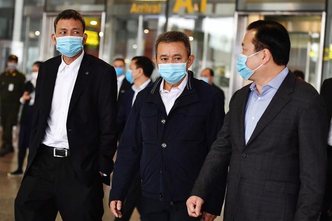 Hàng loạt nhân viên cấp cao của Vietnam Airlines phải cách ly ngay sau khi Bộ Y tế phát hiện nhân viên hãng này nhiễm Covid-19 0