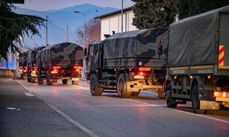 Khoảnh khắc buồn nhất lịch sử Ý: Xe quân dụng chở quan tài xếp hàng chờ hỏa thiêu vì nhà xác quá tải 9