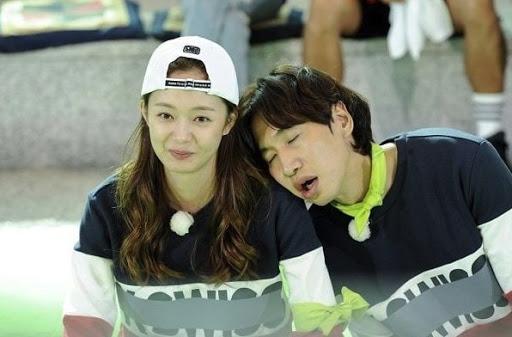 Lee Kwang Soo 'unfollow' thánh lố Jeon Somin, fan đặt nghi vấn bất hòa, rời chương trình? 1