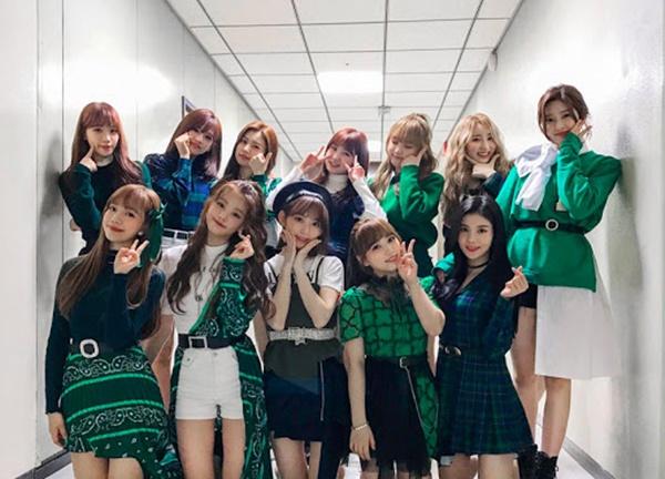 11 outfit 'khó hiểu' của các nhóm nhạc Kpop gần đây, BlackPink và BTS bất ngờ đứng top đầu 9
