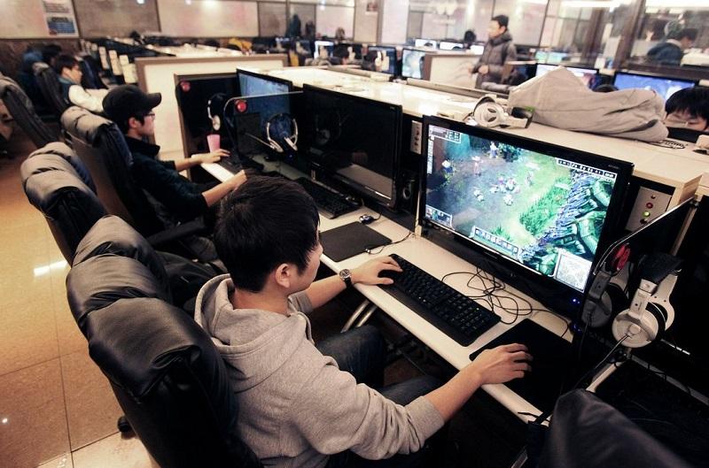 Tìm cách để trốn vợ chơi game là chuyện đau đầu đối với một số ông chồng đam mê điện tử.