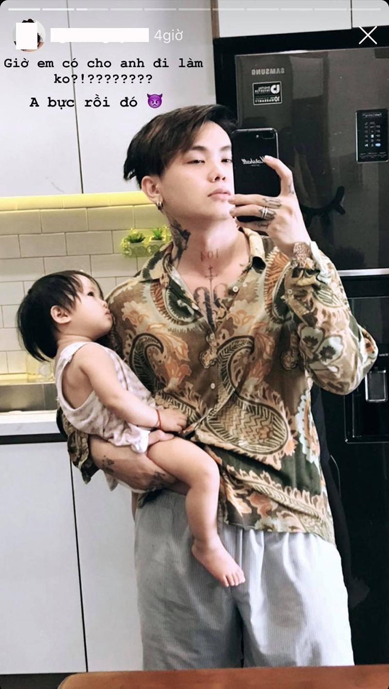 Chàng trai đầu trọc quyết tâm nuôi tóc vì con gái