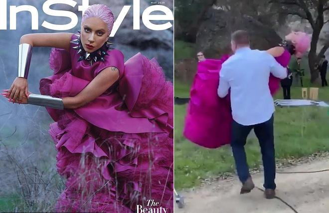 Mới đây, cô được một người đàn ông bế đến buổi chụp cho tạp chí Instyle vì sợ váy bẩn. Chiếc váy satin màu hồng tím nằm trong bộ sưu tập SS20 của Giambattista Valli có thiết kế xếp tầng lộng lẫy bay bổng nhưng khiến cho việc di chuyển bất tiện. Thêm vào đó là chiếc vòng cổ đính đinh tán quá khổ khiến nữ ca sĩ khó cử động. Cô chỉ có thể nằm im cho vệ sĩ 'bê đi'. Nguồn ảnh: Tạp chí Instyle