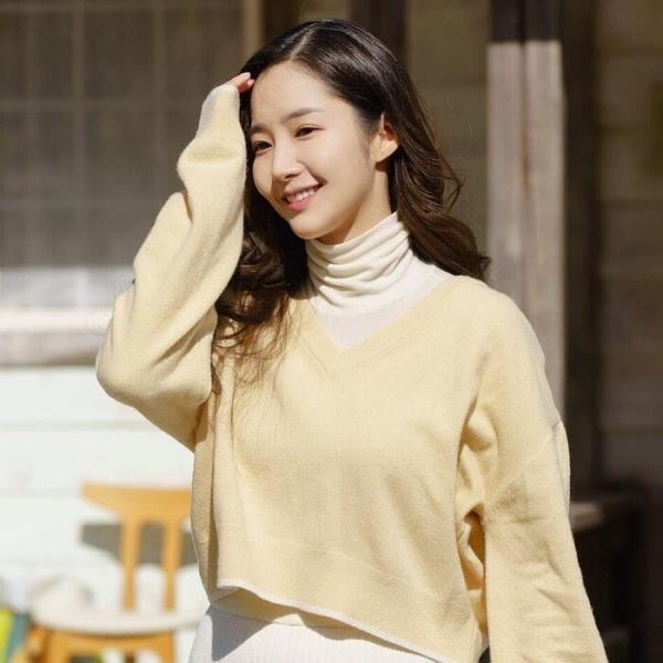 Sao Hàn mặc đẹp tuần qua: Park Min Young lấy lại phong độ, Yeri hóa già chát vì trang phục dừ tuổi 22