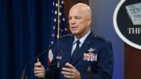 Tướng John Raymond, người đứng đầu Bộ Chỉ huy không gian SpaceCom của Mỹ