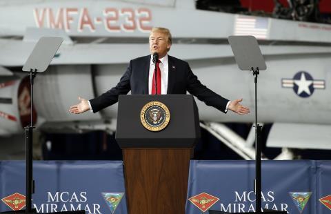 Tổng thống Mỹ D. Trump hồi sinh cuộc chiến không gian với việc thành lập Quân chủng Vũ trụ của Mỹ