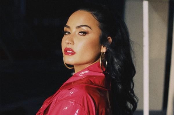 Demi Lovato đang bị ném đá khi rò rỉ tài khoản Instagram 'chửi xéo' đồng nghiệp.