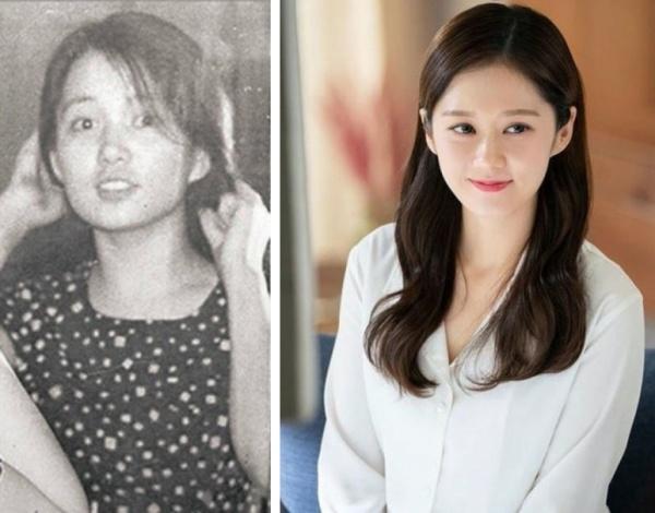 Jang Na Ra có nhan sắc trẻ trung, dường như không bị tác động bởi thời gian. Người hâm mộ cho rằngcó lẽ là do gene di truyền của mẹ Jang Na Ra quá mạnh. Ảnh thời còn trẻ của mẹ nữ ca sĩ, diễn viên nổi tiếng khiến khán giảtrầm trồ.