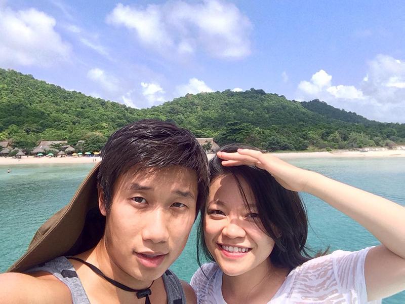 Trần Hùng John và vợ đã trải qua 10 năm yêu với đủ đầy hạnh phúc lẫn biến cố