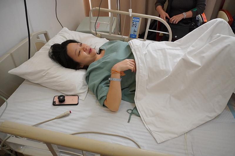 Ngày thứ nhất sau khi vợ Hùng sinh xong