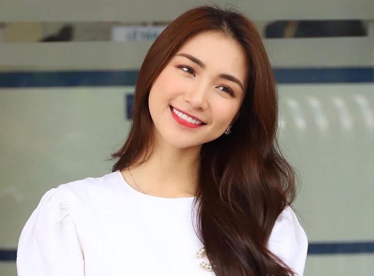Hòa Minzy hối hận vì không chọn nghệ danh thuần Việt.