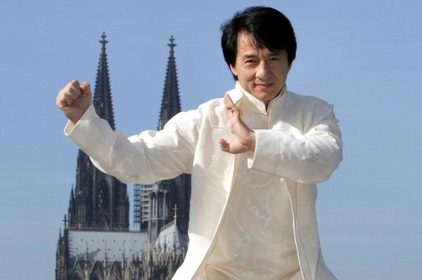 Bố thần tượng Jackie Chan nên cậu bé Phương Tuấn lấy nghệ danh là Jack thôi.