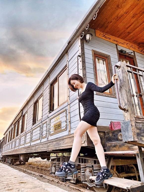 Hot girl Trâm Anh chính thức lên tiếng về tin đồn được đại gia 'đài thọ' du lịch Đà Lạt bằng siêu xe 13 tỷ 3