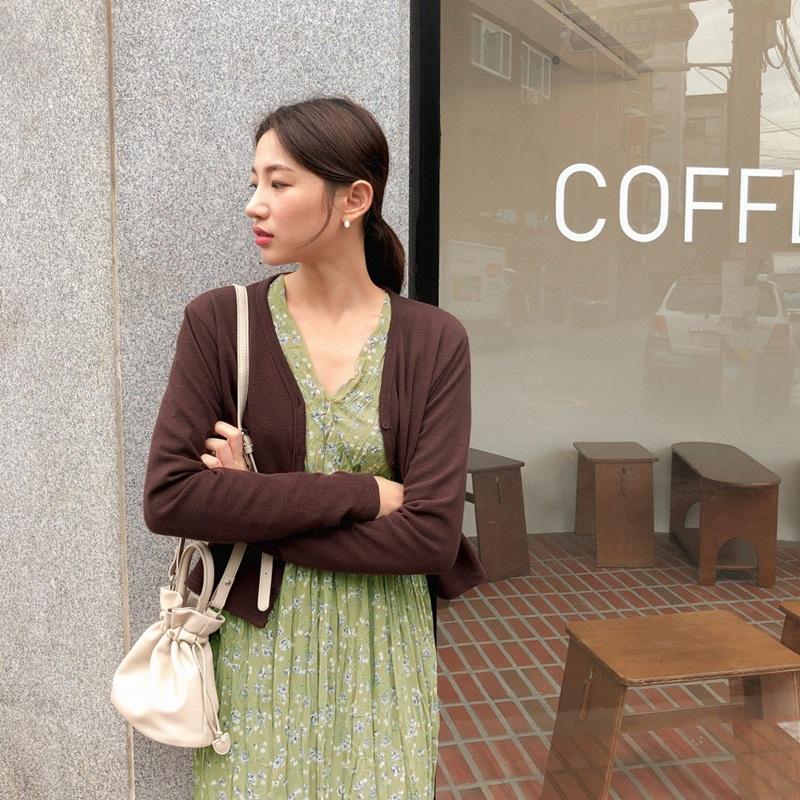 Mách nhỏ những tips mặc áo mỏng mà không lo phản cảm để tự tin đón hè 35