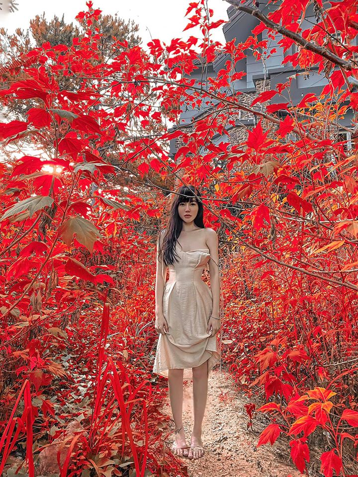Elly Trần khiến fan 'mất máu' với bức ảnh khỏa thân thả dáng cực nuột nà 6