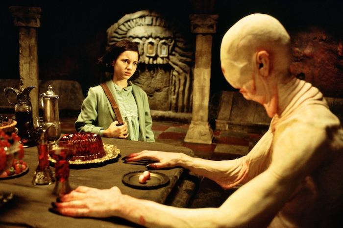 Ofelia đã phớt lờ lời cảnh báo của các vị tiên và suýt mất mạng vì Pale Man.