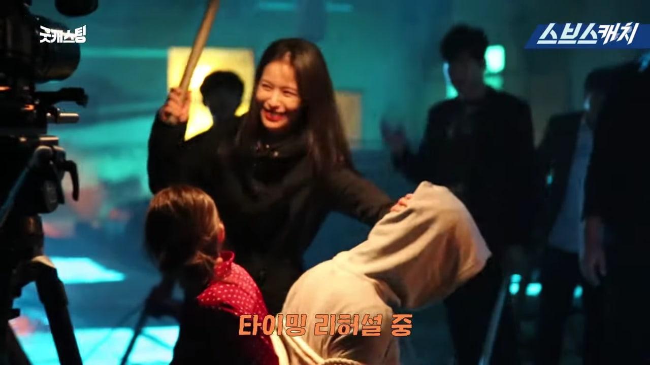 Choi Kang Hee, Jun (U-Kiss) không thể ngừng cười trên phim trường 'Giả danh' 1