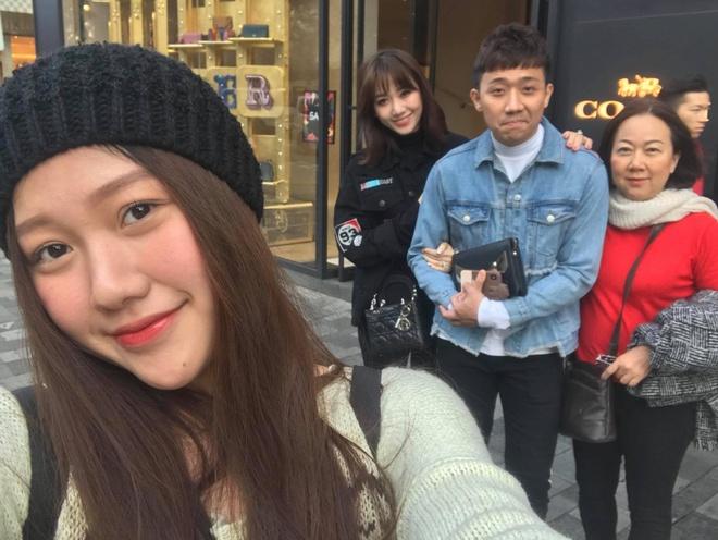 Nếu như Huỳnh Mi là cô em gái được nhiều người biết đến thì Huỳnh Ân (sinh năm 1999) lại được anh trai 'giấu' khá kín.
