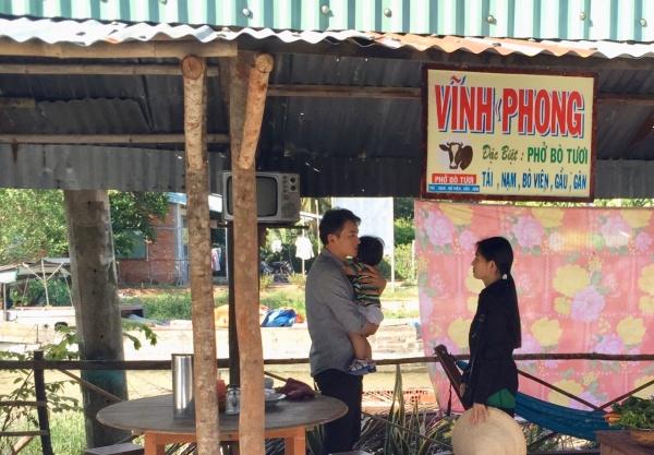 Mẹ ghẻ: Văn Phượng bị tát sưng mặt khi quay cảnh đánh ghen 2