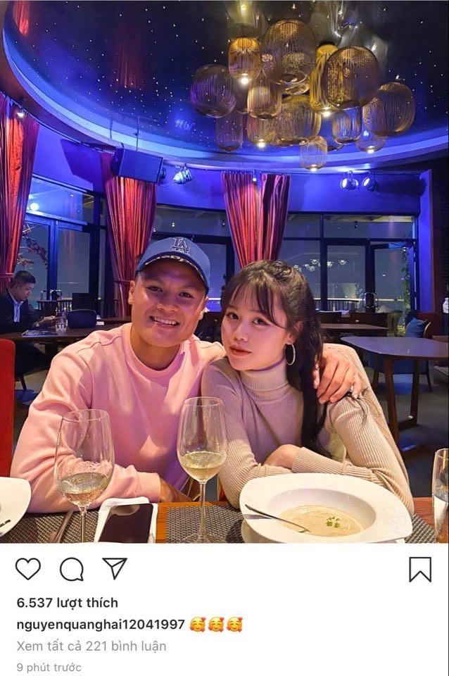 Quang Hải đăng ảnh đi ăn với Huỳnh Anh