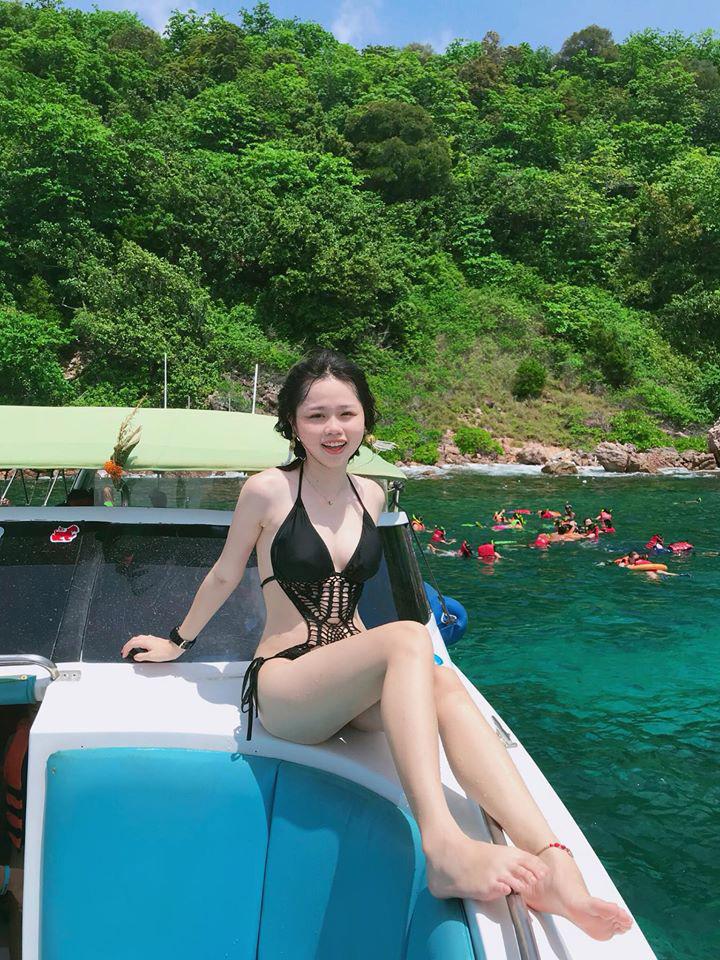 Trang cá nhân của Huỳnh Anh là điểm đến hiện tại của nhiều thành viên mạng. Người xem ấn tượng bởi những khoảnh khắc trẻ trung, tràn đầy sức sống của Huỳnh Anh.