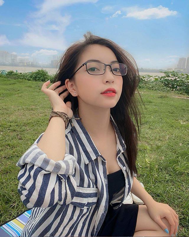 Vừa được công khai, bạn gái mới của Quang Hải liên tục bị dân mạng tấn công khiếm nhã 2