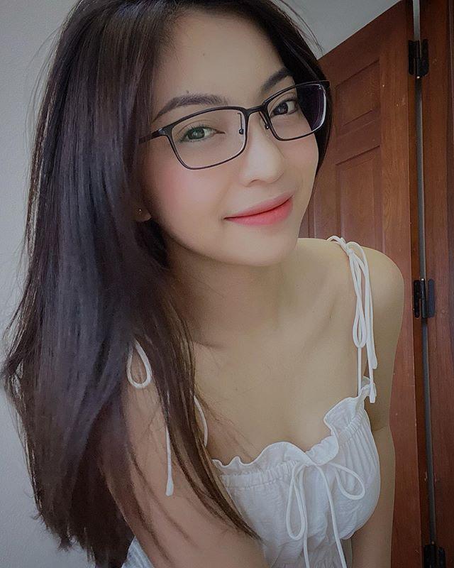 Nhật Lê - bạn gái cũ Quang Hải ngày càng trẻ trung, xinh đẹp.