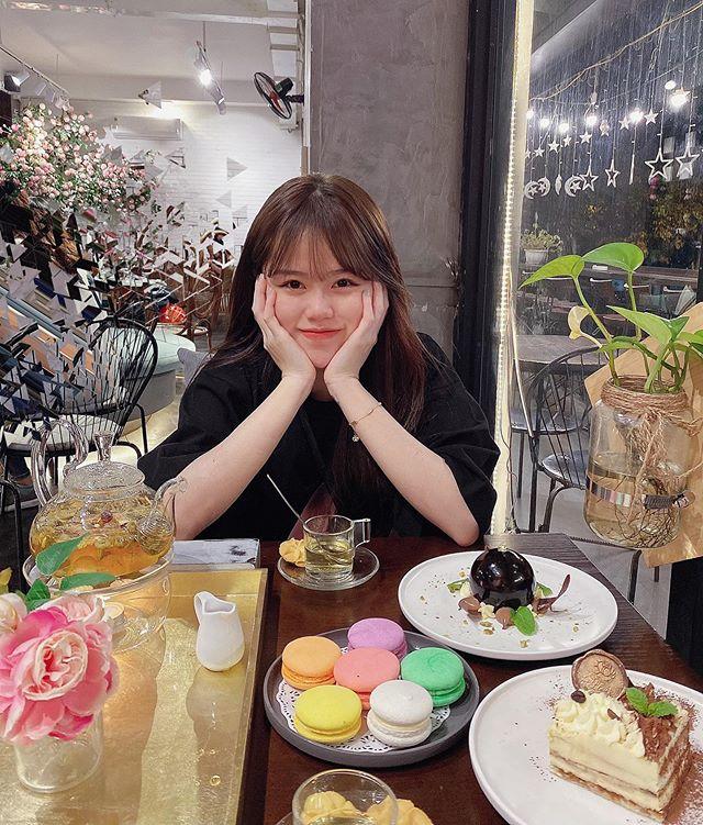 Nhiều người cho rằng nhan sắc bạn gái mới của Quang Hải khá bình thường.