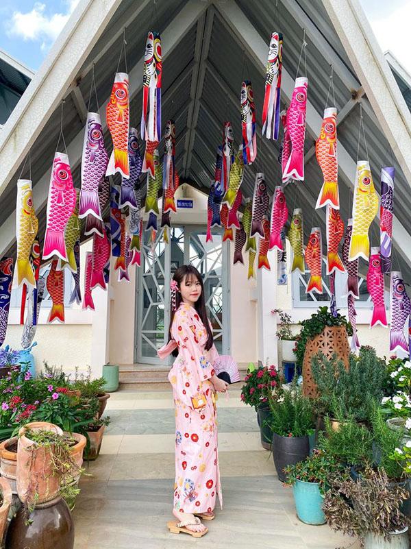 Huỳnh Anh - Bạn gái mới công khai của Quang Hải là ai, gia thế 'khủng' thế nào? 4