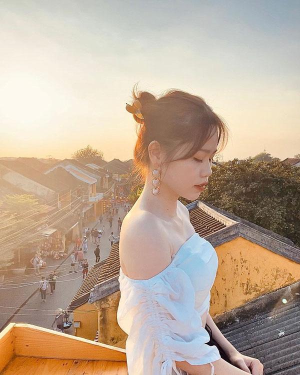 Huỳnh Anh - Bạn gái mới công khai của Quang Hải là ai, gia thế 'khủng' thế nào? 8