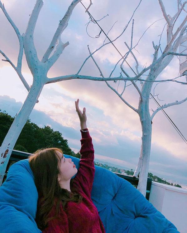 Huỳnh Anh - Bạn gái mới công khai của Quang Hải là ai, gia thế 'khủng' thế nào? 7