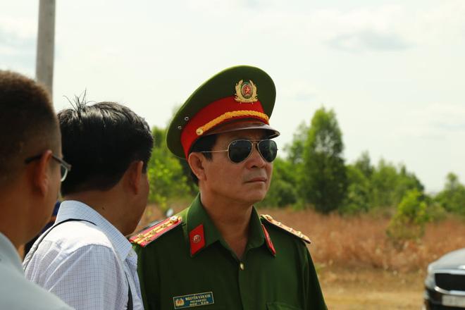 Đại tá Nguyễn Văn Kim Phó Giám đốc, Thủ trưởng Cơ quan Cảnh sát điều tra Công an tỉnh Đồng Nai tại hiện trường để chỉ đạo điều tra sáng nay.