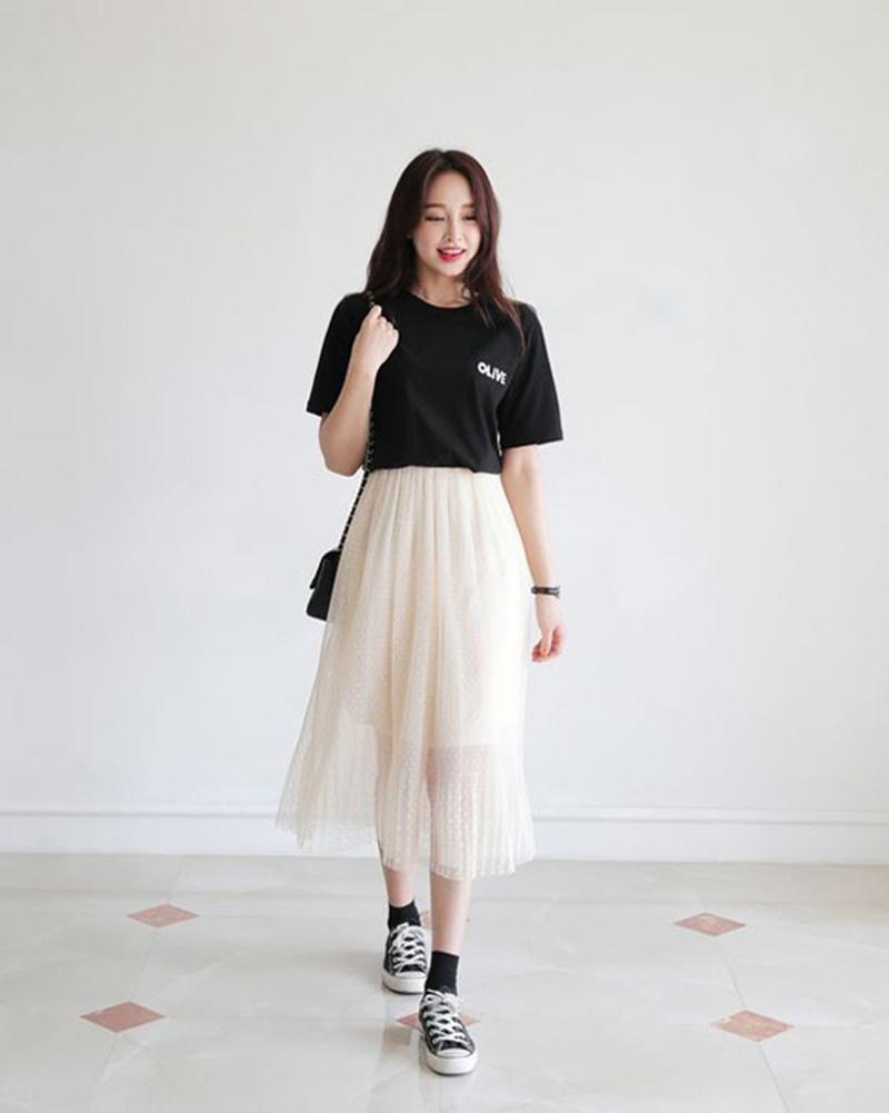 Mặc đồ tông đen trắng vẫn nổi bần bật nhờ ứng dụng 4 công thức phối đồ này của Black Pink 17