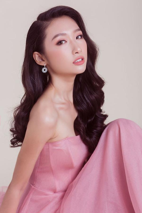 Nữ chính trong tập 3 Người ấy là ai - Hoa hậu Sinh viên Thế giới 2019 Nguyễn Thị Thanh Khoa.