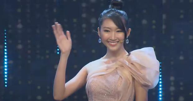 Nàng Hoa hậu tham gia 'Người ấy là ai' tập 3.