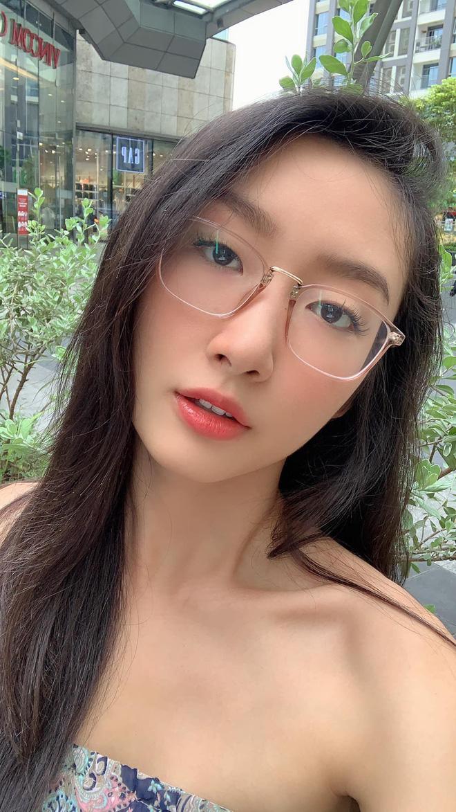Cô nàng mang vẻ đẹp Á Đông gây ấn tượng cho người nhìn.
