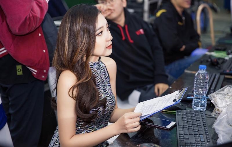 Nữ MC xinh đẹp của trận Chung kết ĐTDV mùa Xuân năm 2020.