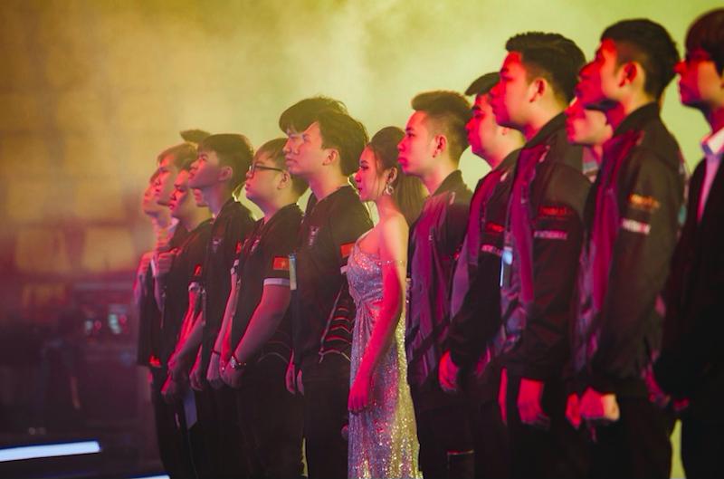 Chung kết ĐTDV mùa xuân 2020, MC Phương Thảo mạnh dạn: 'Các hiệp đấu gay cấn, kết thúc với tỉ số 4 - 3' 3