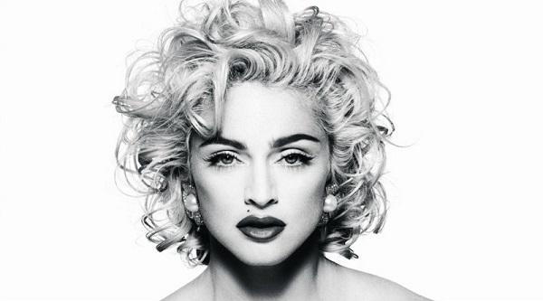 Ca khúc Babylon khiến người ta liên tưởng tới Vogue của Madonna.