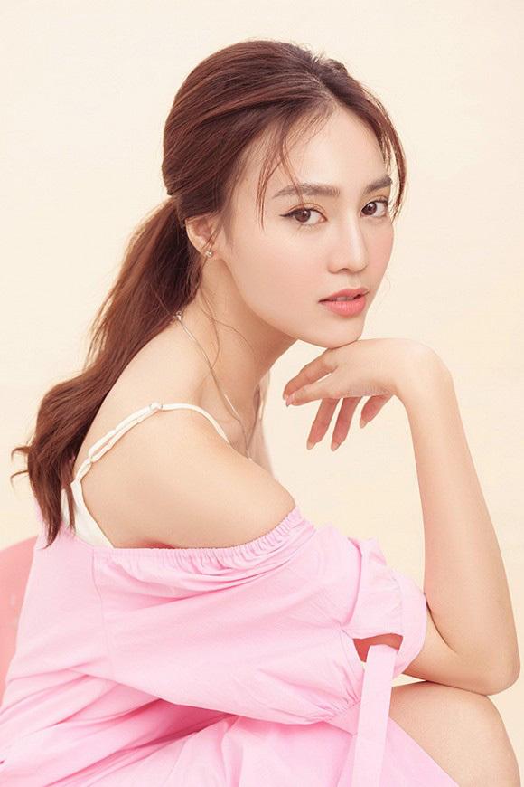Hòa Minzy 'vừa cười vừa khóc' khi nghe Ninh Dương Lan Ngọc hát chay 'Không thể cùng nhau suốt kiếp' 1